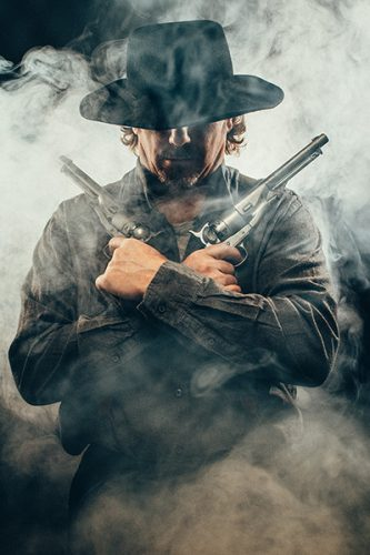 Gunslinger with two guns